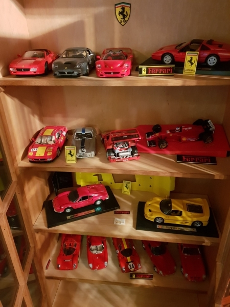 Collection de 15 Ferrari au 1:18